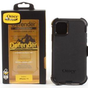 iPhone 11 OtterBox Defender Series Case Black NEW